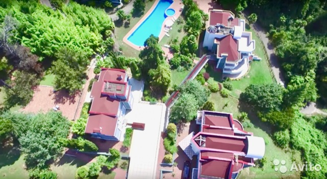 Дом 1500 м² на участке 97 сот.— фотография №1
