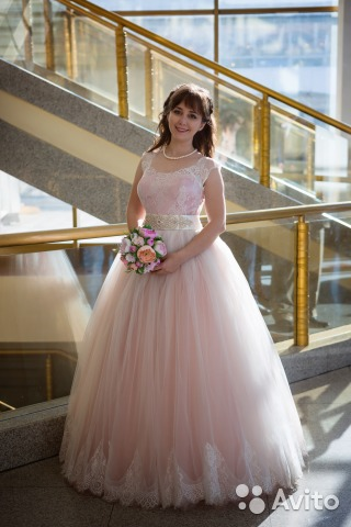 7f3601f94de5b2a Продам пудровое свадебное платье купить в Иркутской области на Avito ...