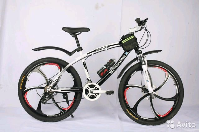 89527559801 Велосипед новый,литые лиски