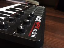 Akai MPK mini (миди-клавиатура)