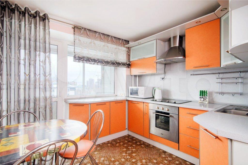 2-к квартира, 80 м², 2/10 эт.