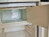 Холодильник желтый